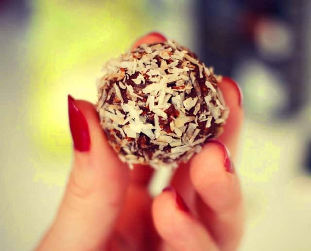 Paleo date and coconut balls