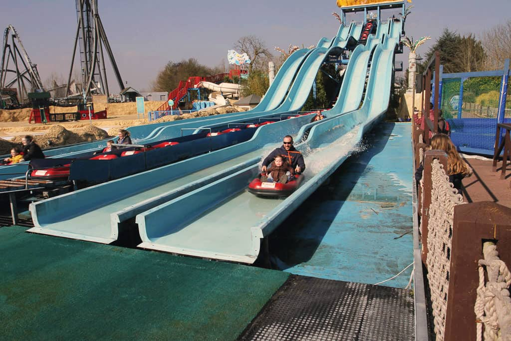 Depth Charge ride in action at Thorpe Park
