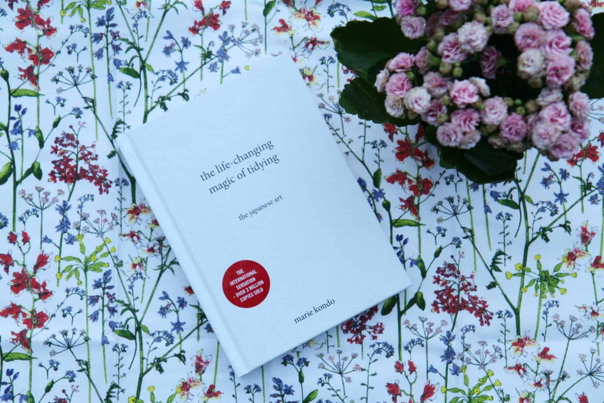 Book cover 'the life-changing magic of tidying' by Marie Kondo