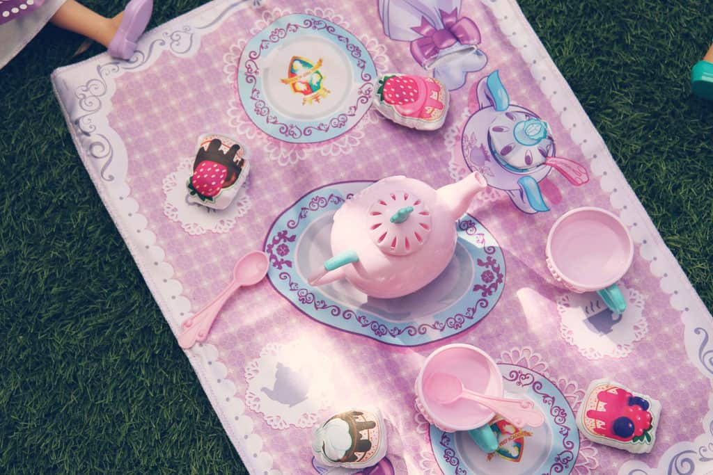 Sofia the First tea set