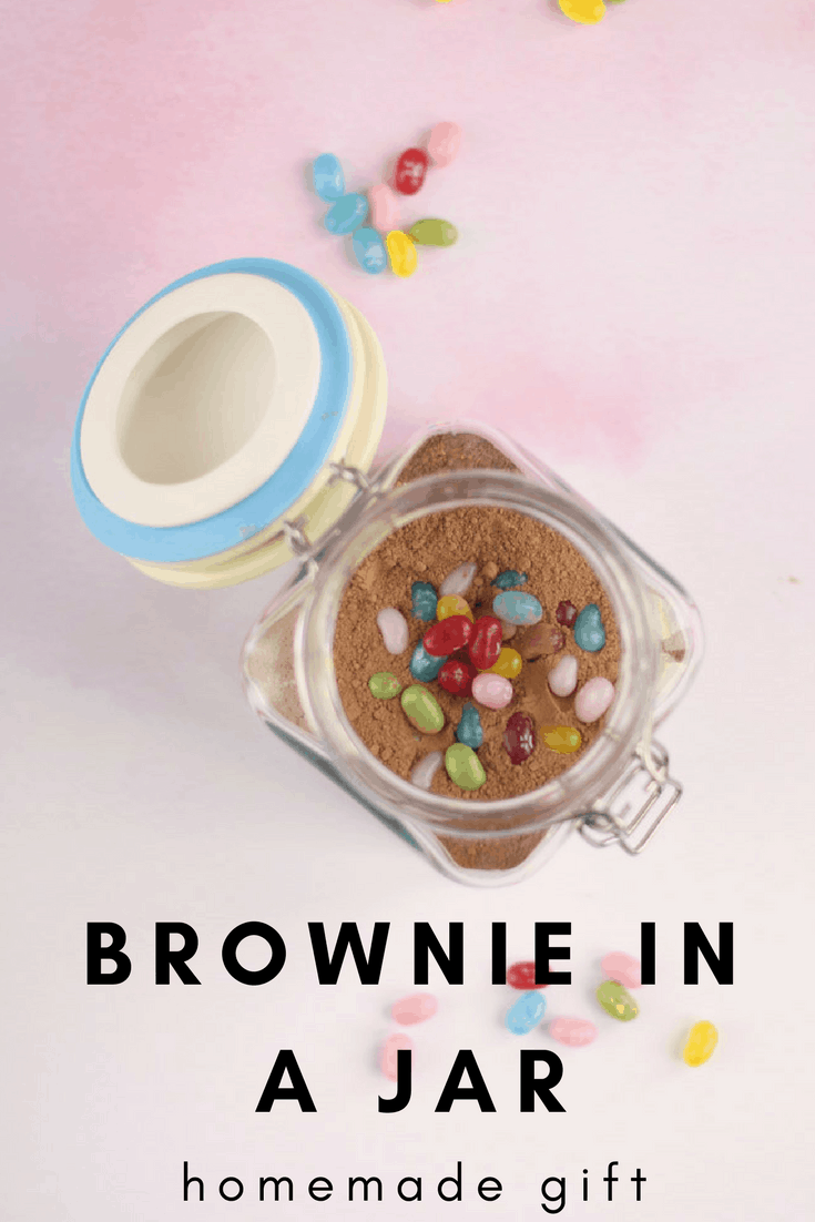 A pretty homemade Brownie in a jar idea takes 5 minutes to assemble!
