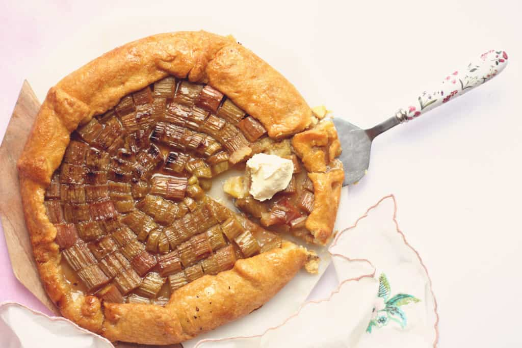 A rhubarb galette with double cream
