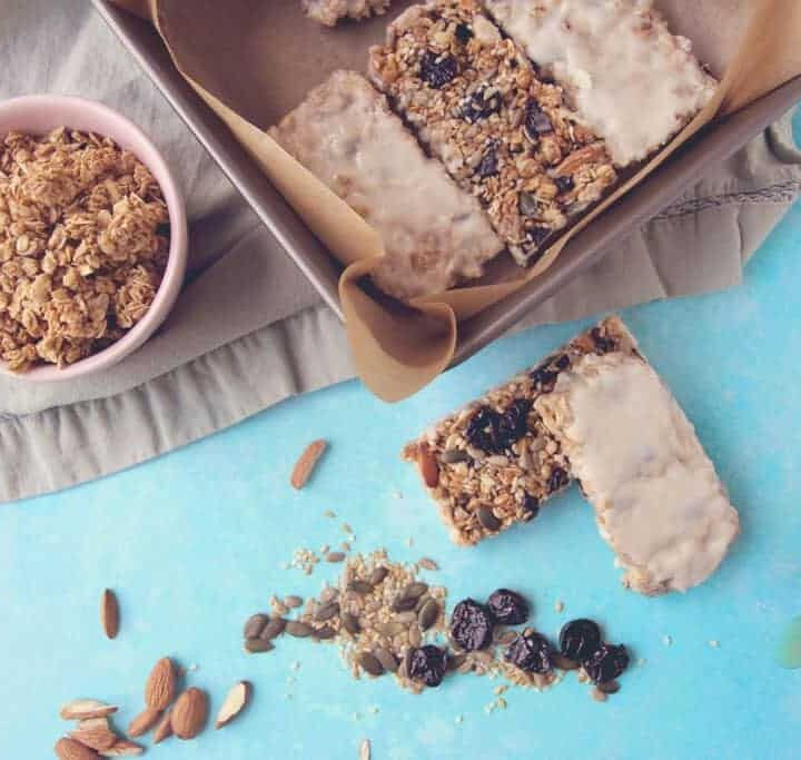 Vanilla Yoghurt Coated Granola Bar Recipe