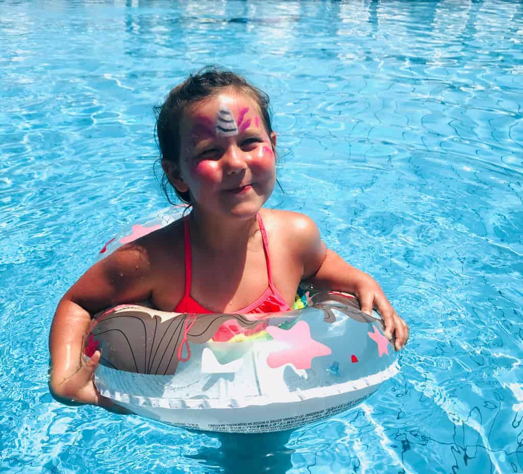 Swimming pool Perdepera Beach Resort