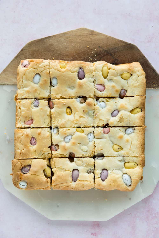 12 slices of Easter mini egg blondies.