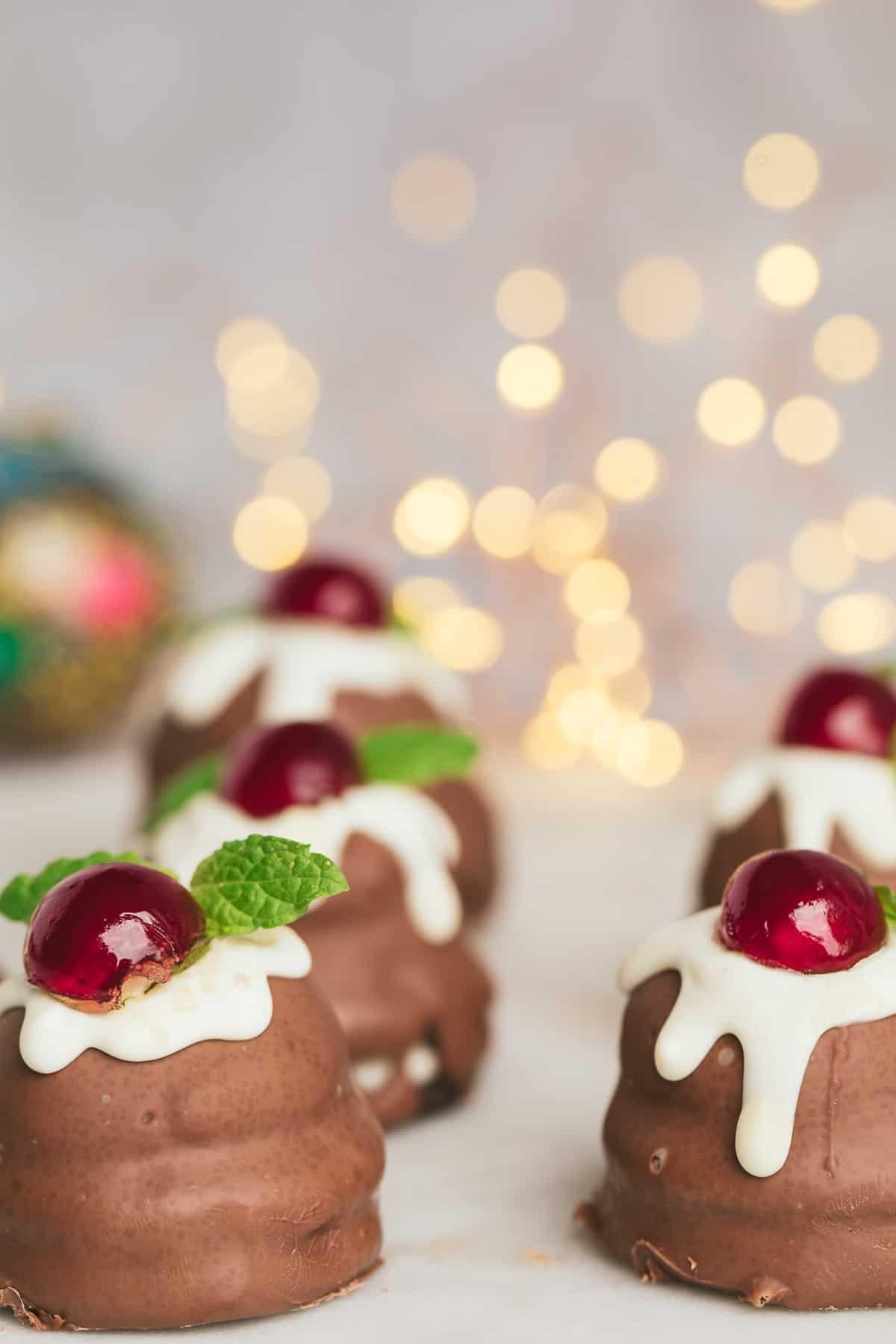 Small chocolate Christmas desserts.